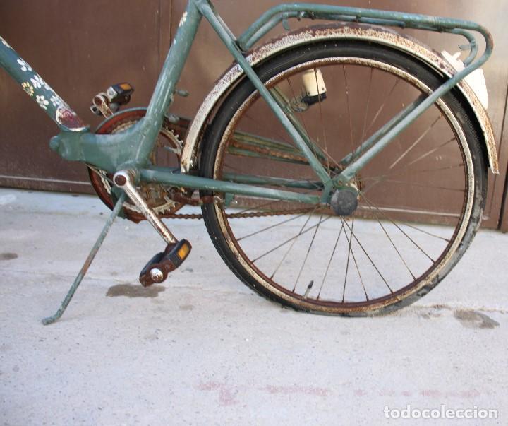 Coleccionismo deportivo: Bici BH plegable de los 70 pintada de flores - Foto 12 - 166632054