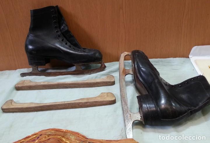 Coleccionismo deportivo: Patines de hielo. Antiguos. De bota y metal. Años 60 - Foto 3 - 166985004