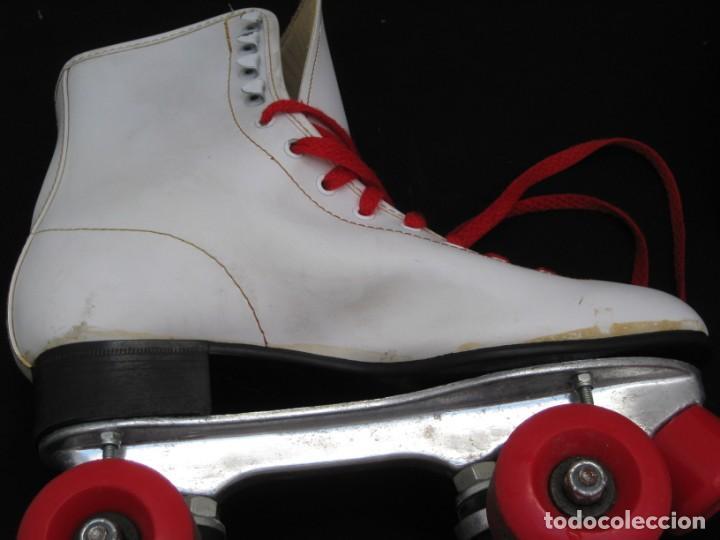 Coleccionismo deportivo: Patines con botas. Talla 40. California Team. - Foto 15 - 167449296