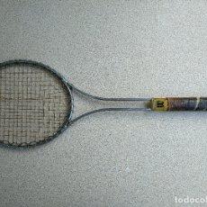 Coleccionismo deportivo: RAQUETA ANTIGUA ALUMINIO WILSON T2000. Lote 168541744