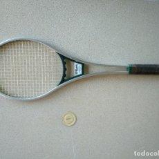 Coleccionismo deportivo: RAQUETA DE TENIS WILSON WORLD CLASS. Lote 170467124