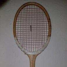 Coleccionismo deportivo: ANTIGUA RAQUETA TENIS MADERA. Lote 173200763