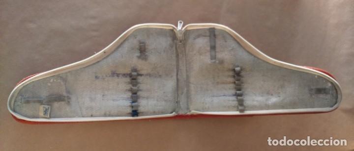 Coleccionismo deportivo: Estuche vintage escolar publicidad zapatillas deporte Paredes. Difícil de encontrar en forma de bota - Foto 2 - 175650097