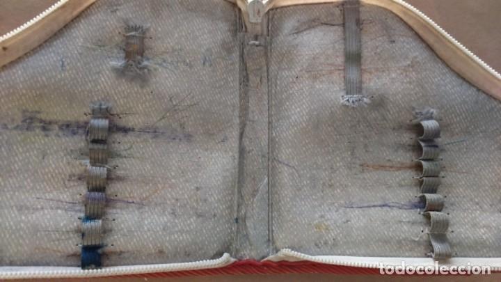 Coleccionismo deportivo: Estuche vintage escolar publicidad zapatillas deporte Paredes. Difícil de encontrar en forma de bota - Foto 5 - 175650097