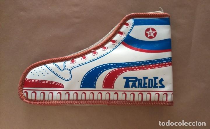 Coleccionismo deportivo: Estuche vintage escolar publicidad zapatillas deporte Paredes. Difícil de encontrar en forma de bota - Foto 6 - 175650097