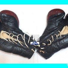Coleccionismo deportivo: GUANTES ANTIGUOS DE BOXEO - MARCA TEIDE - AÑOS 70 - TALLA M - L - CUERO / PIEL - BUENA CONSERVACIÓN. Lote 177742179