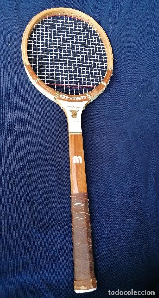 Coleccionismo deportivo: Antigua raqueta le la firma Crown doris Massey. - Foto 2 - 177937413