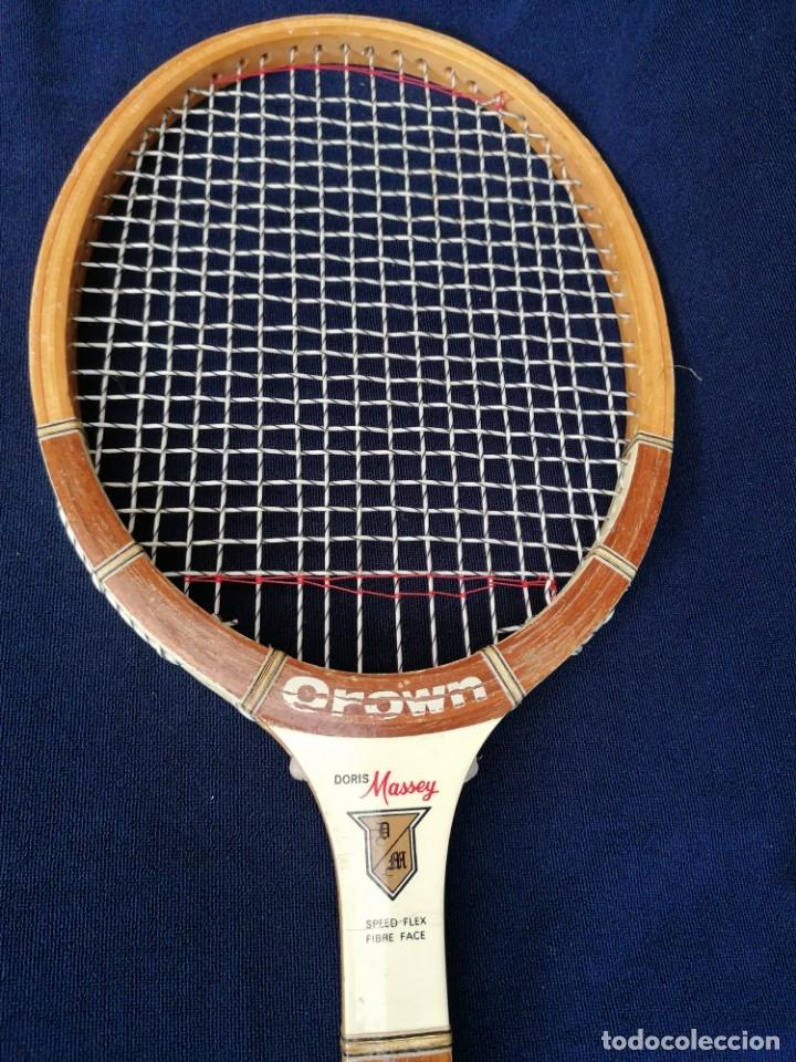 Coleccionismo deportivo: Antigua raqueta le la firma Crown doris Massey. - Foto 3 - 177937413