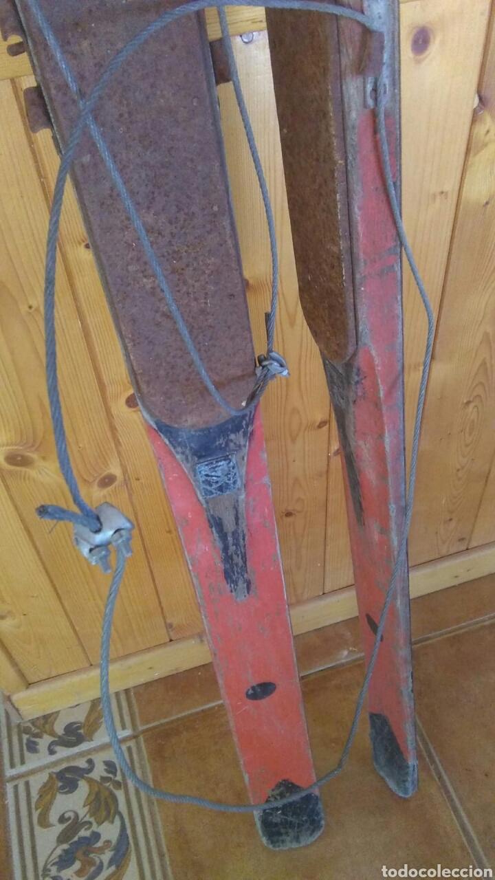 Coleccionismo deportivo: Antiguos esquíes, 2 metros por 7 cm,ideal coleccionistas,ver - Foto 6 - 178185665