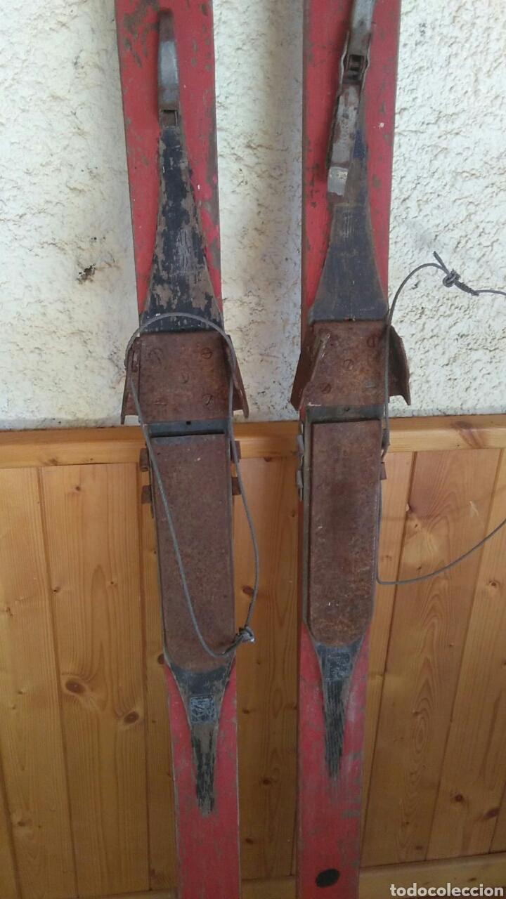 Coleccionismo deportivo: Antiguos esquíes, 2 metros por 7 cm,ideal coleccionistas,ver - Foto 15 - 178185665