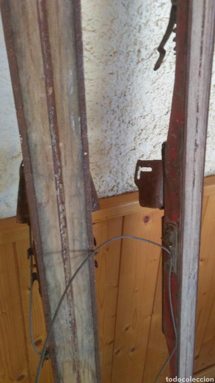 Coleccionismo deportivo: Antiguos esquíes, 2 metros por 7 cm,ideal coleccionistas,ver - Foto 20 - 178185665