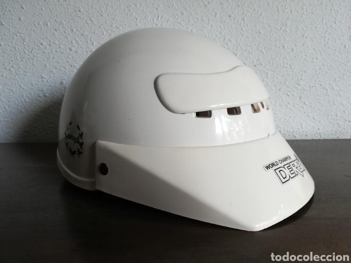 Coleccionismo deportivo: Casco Derbi World Champion - Moto Motociclismo bala roja Motor - Foto 2 - 178359937
