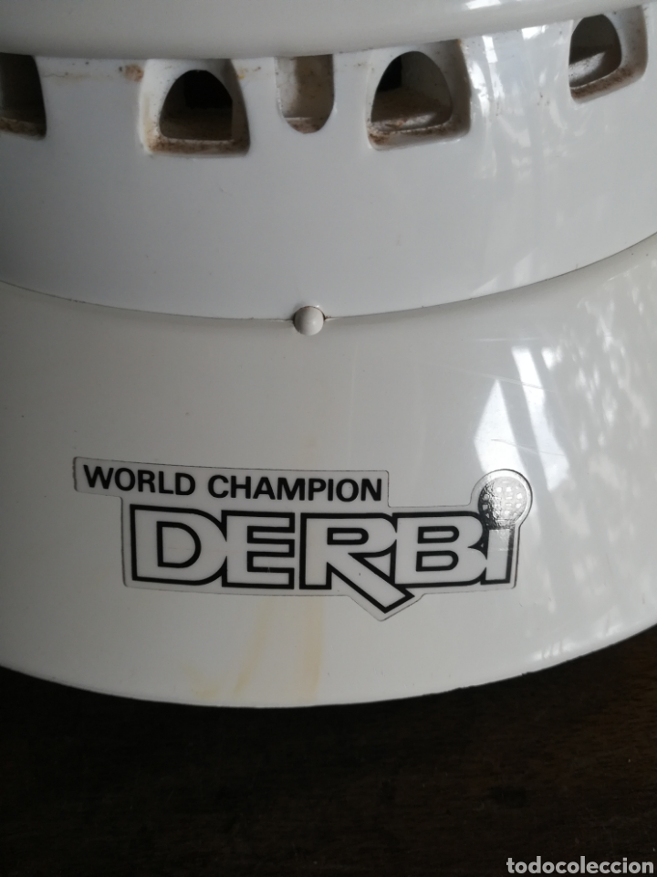 Coleccionismo deportivo: Casco Derbi World Champion - Moto Motociclismo bala roja Motor - Foto 5 - 178359937