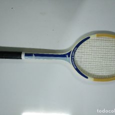 Coleccionismo deportivo: RAQUETA TENIS ANTIGUA DE MADERA SLAZENGER. Lote 178435963