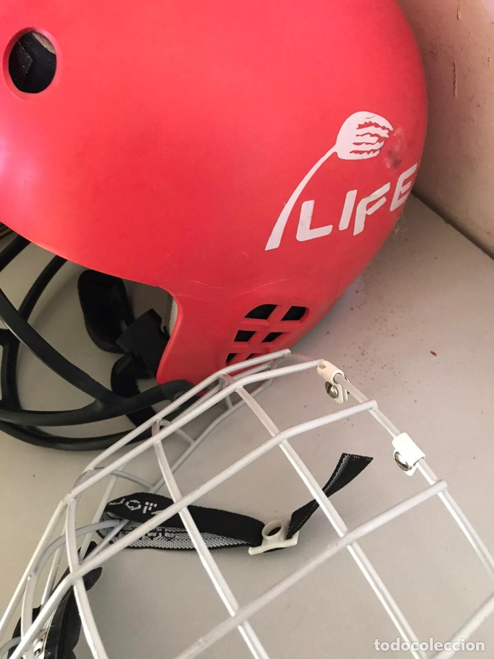 Coleccionismo deportivo: Antiguo casco de hockey y protector - Foto 4 - 180036476