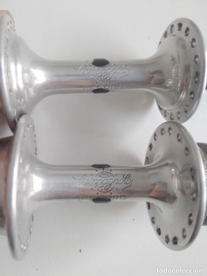 Coleccionismo deportivo: Grupo bujes Campagnolo con caja. Recambio bicicleta clásica ciclismo. Falta un pasante - Foto 3 - 180494791