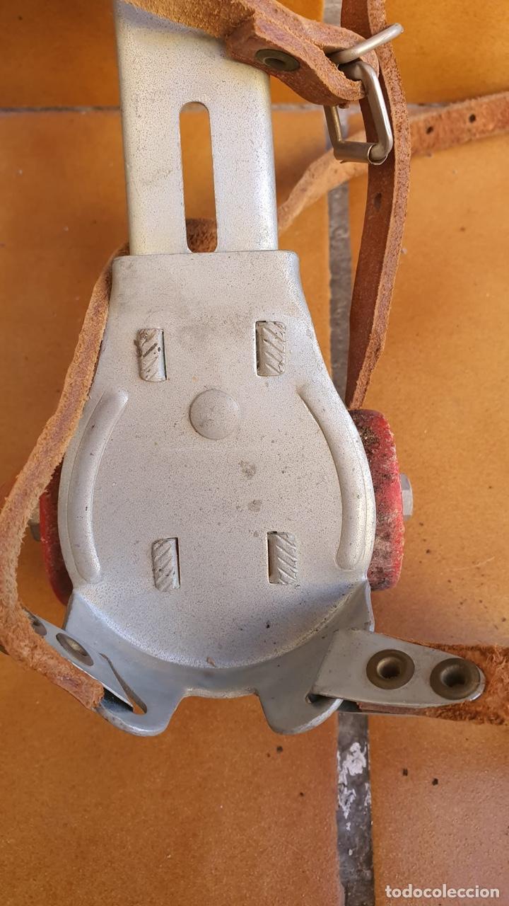 Coleccionismo deportivo: Bonitos patines antiguos, fabricación española - Foto 5 - 183444185