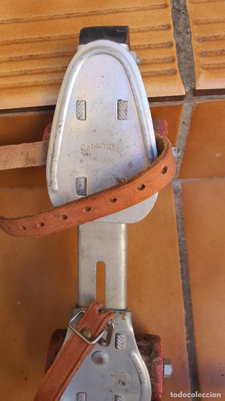 Coleccionismo deportivo: Bonitos patines antiguos, fabricación española - Foto 8 - 183444185