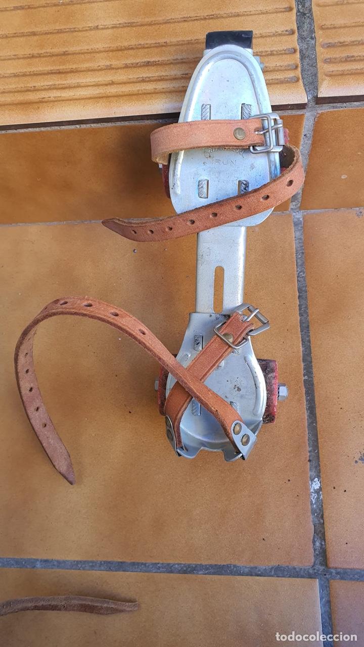 Coleccionismo deportivo: Bonitos patines antiguos, fabricación española - Foto 9 - 183444185