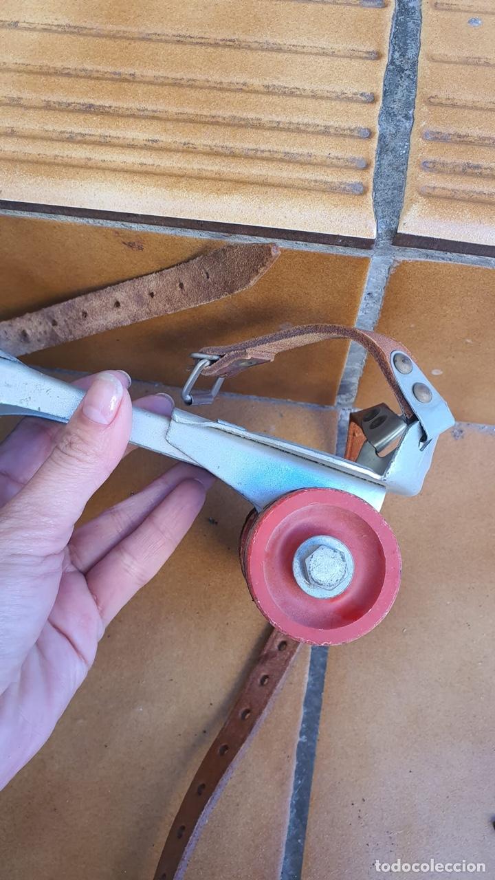 Coleccionismo deportivo: Bonitos patines antiguos, fabricación española - Foto 11 - 183444185