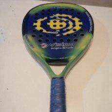 Coleccionismo deportivo: G-RUBCO18 PALA DE PADEL RETRO PARA COLECCIONAR VISION X BLUE LA DE FOTO . Lote 183509307