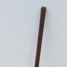 Coleccionismo deportivo: ANTIGUO PALO DE GOLF DE MADERA Y HIERRO. SPECIAL Nº 9 MID-IRON MADE IN ENGLAND. Lote 186325812