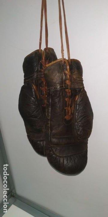 Coleccionismo deportivo: Guantes muy antiguos de boxeo principios de 1900 - Foto 8 - 188440006