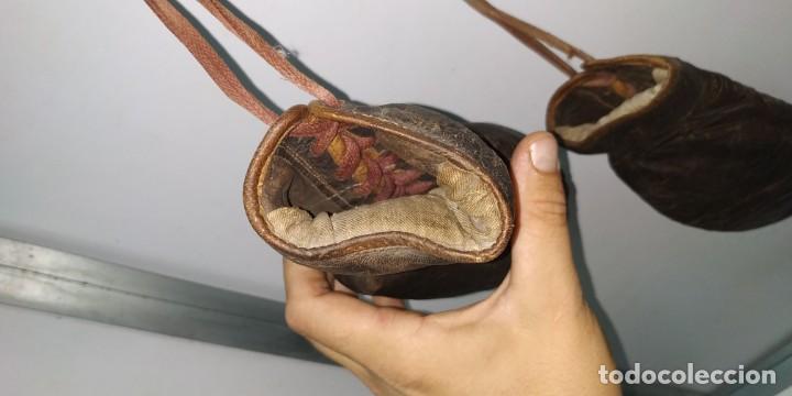 Coleccionismo deportivo: Guantes muy antiguos de boxeo principios de 1900 - Foto 12 - 188440006
