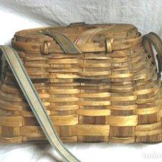Coleccionismo deportivo: CESTO PESCA UCEM AÑOS 70, COMPLETO TODO DE ORIGEN. MED. 34 X 16 X 24 CM. Lote 194361906