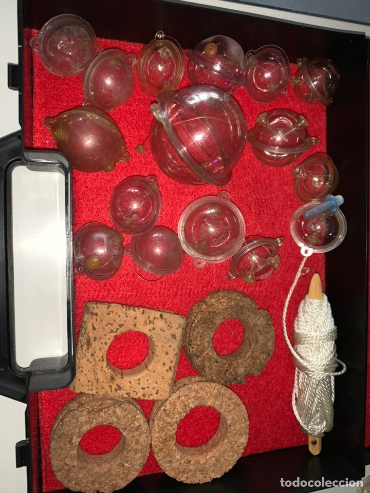 Coleccionismo deportivo: Pesca 36 cucharillas, hilo de pescar, anzuelos, varios lote - Foto 13 - 207400560