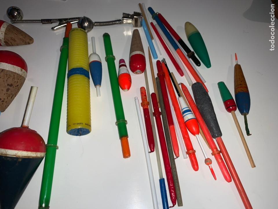 Coleccionismo deportivo: Gran lote artículos pesca anzuelos, cebos, carretes, hilo, cucharillas, boyas, plomos...etc - Foto 71 - 208433415