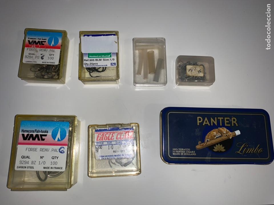 Coleccionismo deportivo: Gran lote artículos pesca anzuelos, cebos, carretes, hilo, cucharillas, boyas, plomos...etc - Foto 72 - 208433415