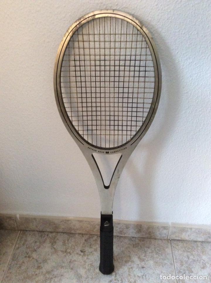 Coleccionismo deportivo: Antigua raqueta head funda original antigua y regalo de una moderna como se ve en la imagen - Foto 2 - 211681849
