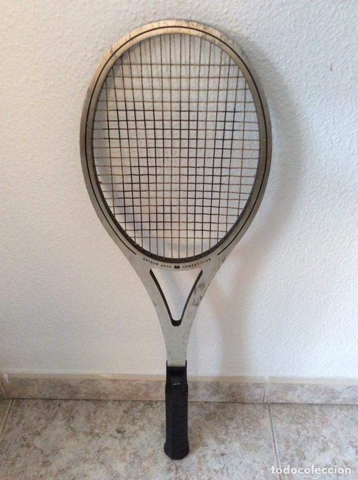 Coleccionismo deportivo: Antigua raqueta head funda original antigua y regalo de una moderna como se ve en la imagen - Foto 3 - 211681849