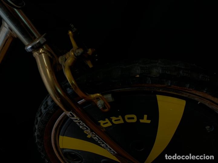 Coleccionismo deportivo: Bicicleta de BMX Torrot el Dorado Golden Gate con llantas lenticulares - Foto 2 - 211690620
