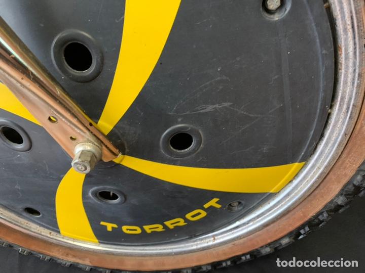 Coleccionismo deportivo: Bicicleta de BMX Torrot el Dorado Golden Gate con llantas lenticulares - Foto 3 - 211690620
