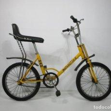 Coleccionismo deportivo: BICICLETA MOTORETTA - 2 - ESPECIAL GAC, EIBAR - BICI MOTORETTA AMARILLA - MUY BUEN ESTADO - AÑOS 80. Lote 211911225