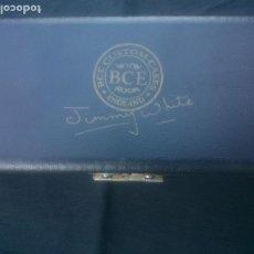 Coleccionismo deportivo: VINTAGE.TACO DE BILLAR PROFESIONAL CON ESTUCHE. Lote 212811901