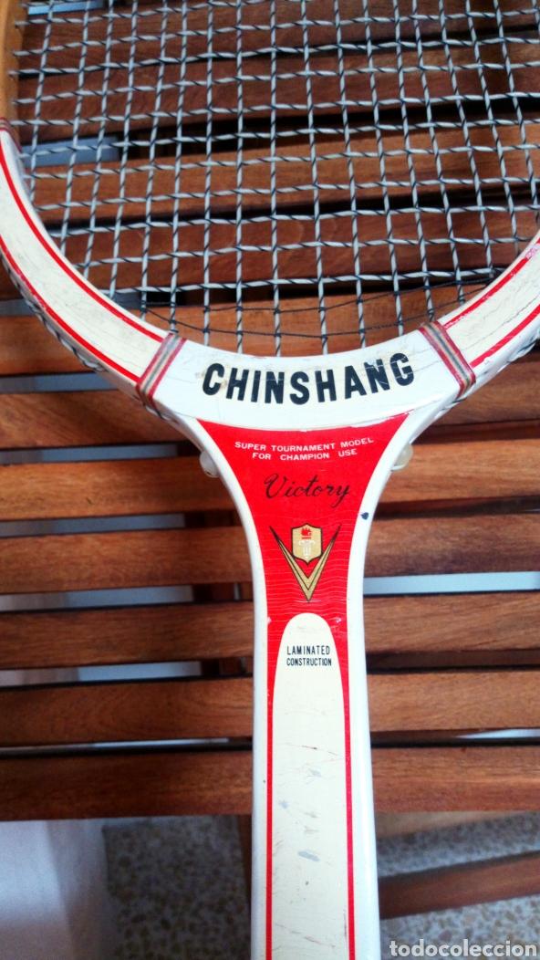 Coleccionismo deportivo: Antigua raqueta de tenis de madera finales de los 60. Vintage. - Foto 2 - 217617480