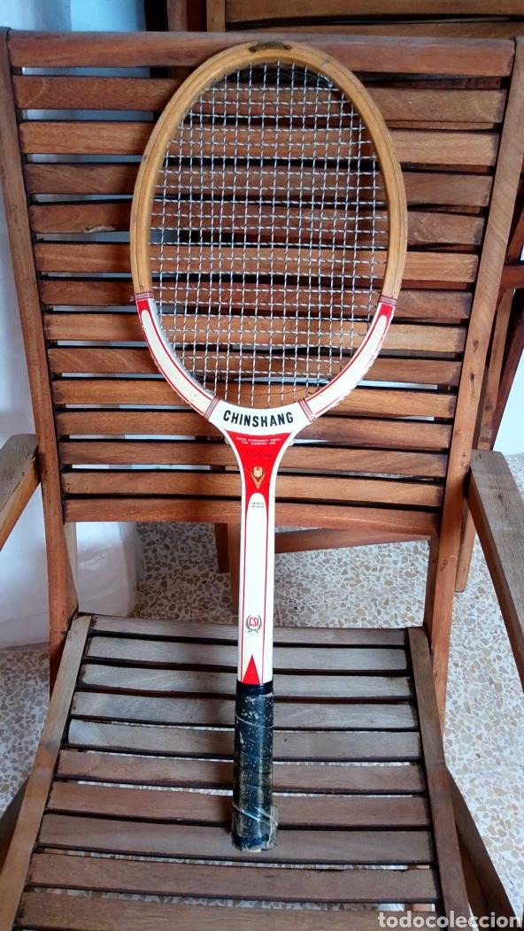 Coleccionismo deportivo: Antigua raqueta de tenis de madera finales de los 60. Vintage. - Foto 5 - 217617480