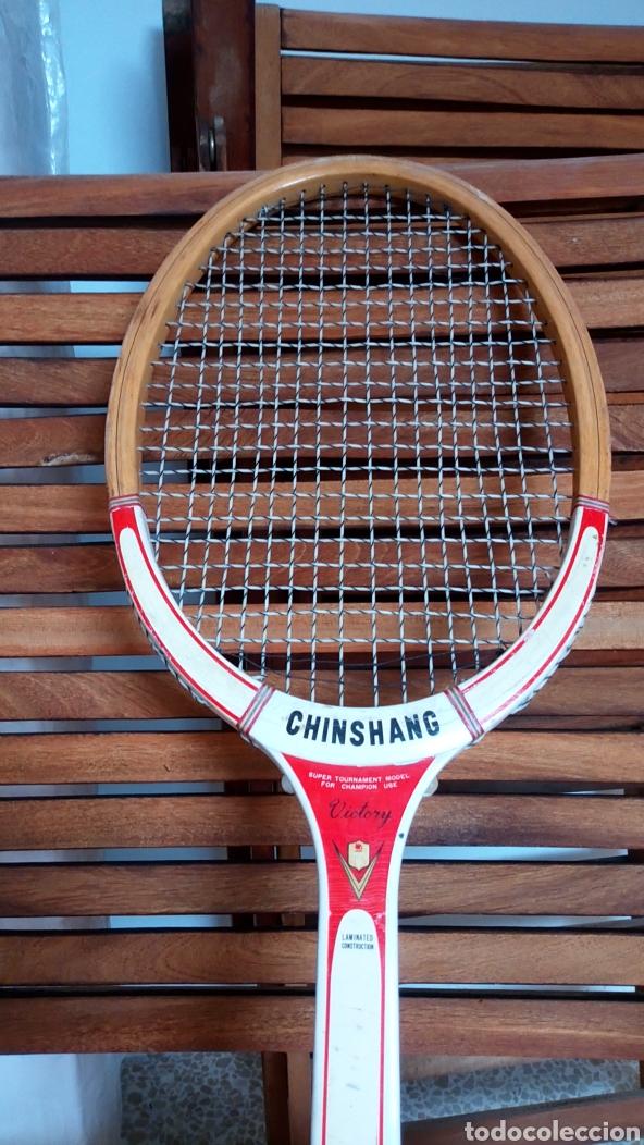Coleccionismo deportivo: Antigua raqueta de tenis de madera finales de los 60. Vintage. - Foto 7 - 217617480