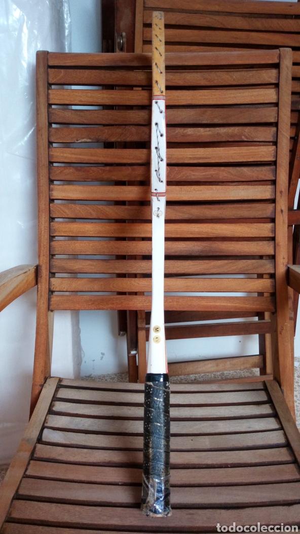 Coleccionismo deportivo: Antigua raqueta de tenis de madera finales de los 60. Vintage. - Foto 9 - 217617480