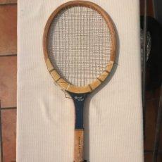 Coleccionismo deportivo: RAQUETA ANTIGUA DE MADERA SPEED STAR. Lote 218310815