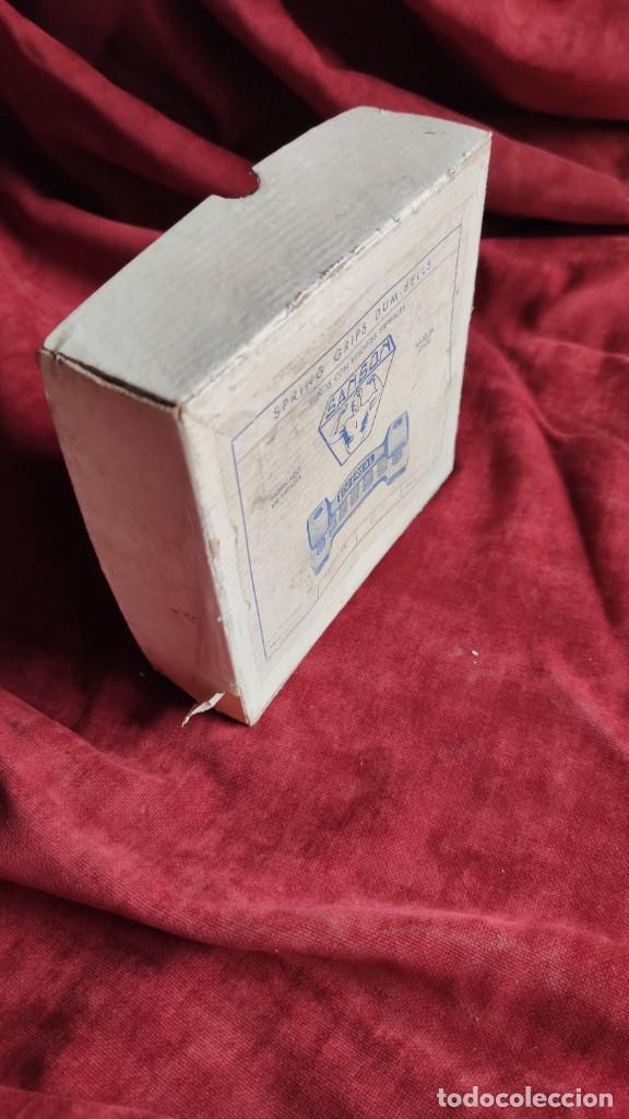 Coleccionismo deportivo: MANCUERNAS ANTIGUAS SANSON EDFERSAL 1950, FORTALECEDOR DE MANOS, - Foto 7 - 218782292