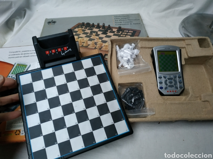 Coleccionismo deportivo: juegos de ajedrez electrónico Novag - Foto 2 - 220684276