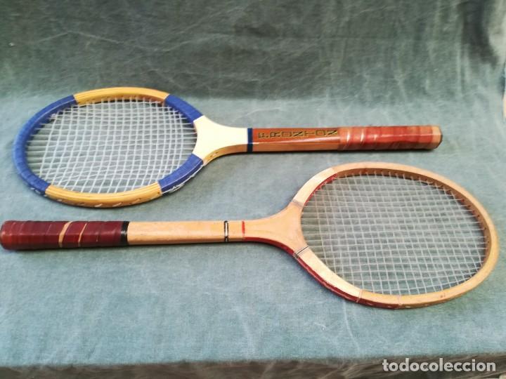 Coleccionismo deportivo: LOTE DE 2 - RAQUETA DE MADERA - FRONTÓN - BLUE STAR - Foto 2 - 221959323