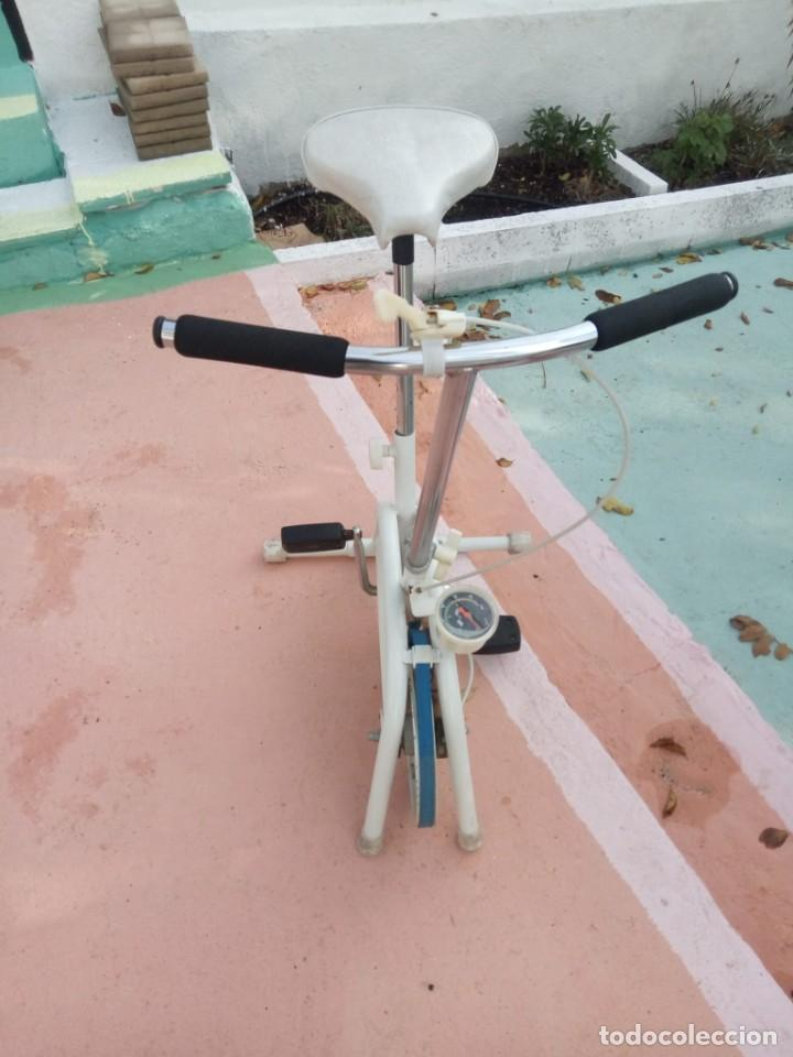 Coleccionismo deportivo: Bicicleta estática antigua. Buen estado. - Foto 3 - 222012751
