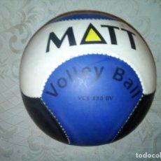 Coleccionismo deportivo: PELOTA VOLLEY BALL REGLAMENTARIA MATT. Lote 233008515