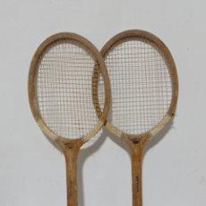Coleccionismo deportivo: ANTIGUAS RAQUETAS DE MADERA. Lote 236031335
