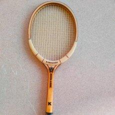 Coleccionismo deportivo: RAQUETA DE TENIS ANTIGUA DE MADERA NUEVA KAWASAKI. Lote 261121355